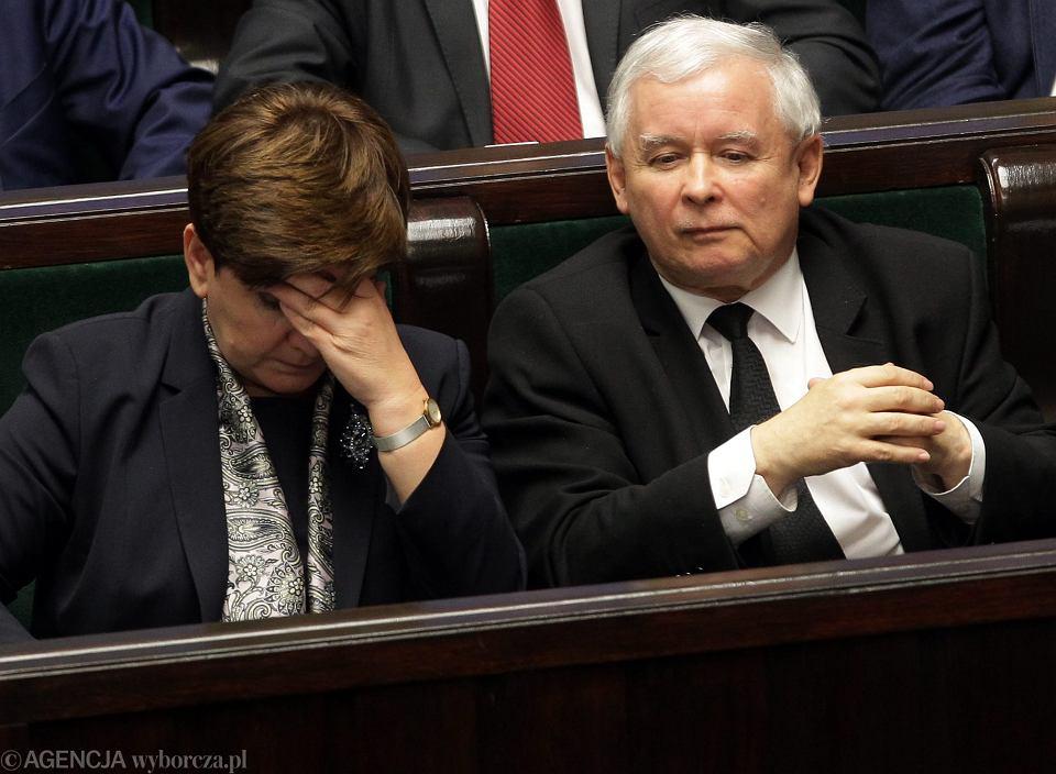 Władze partyjne i państwowe: premier rządu PiS Beata Szydło i jej mocodawca, prezes partii Jarosław Kaczyński