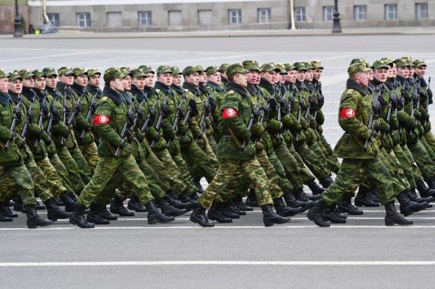 Rosyjscy żołnierze podczas ćwiczeń w Petersburgu