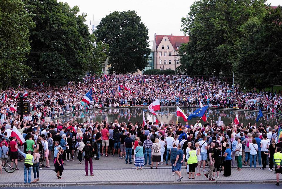 Ustawa o Sądzie Najwyższym. Protest w Poznaniu 21 lipca w parku Mickiewicza przed Operą