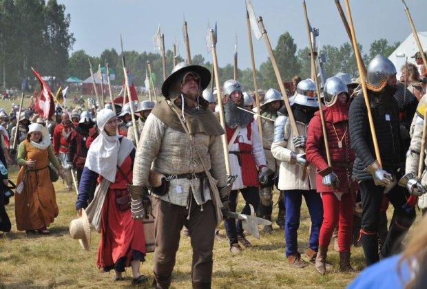 Rekonstrukcja bitwy pod Grunwaldem. Według rosyjskiego Towarzystwa Wojskowo-Historycznego, bitwa została wygrana przez chorągwie rosyjskie