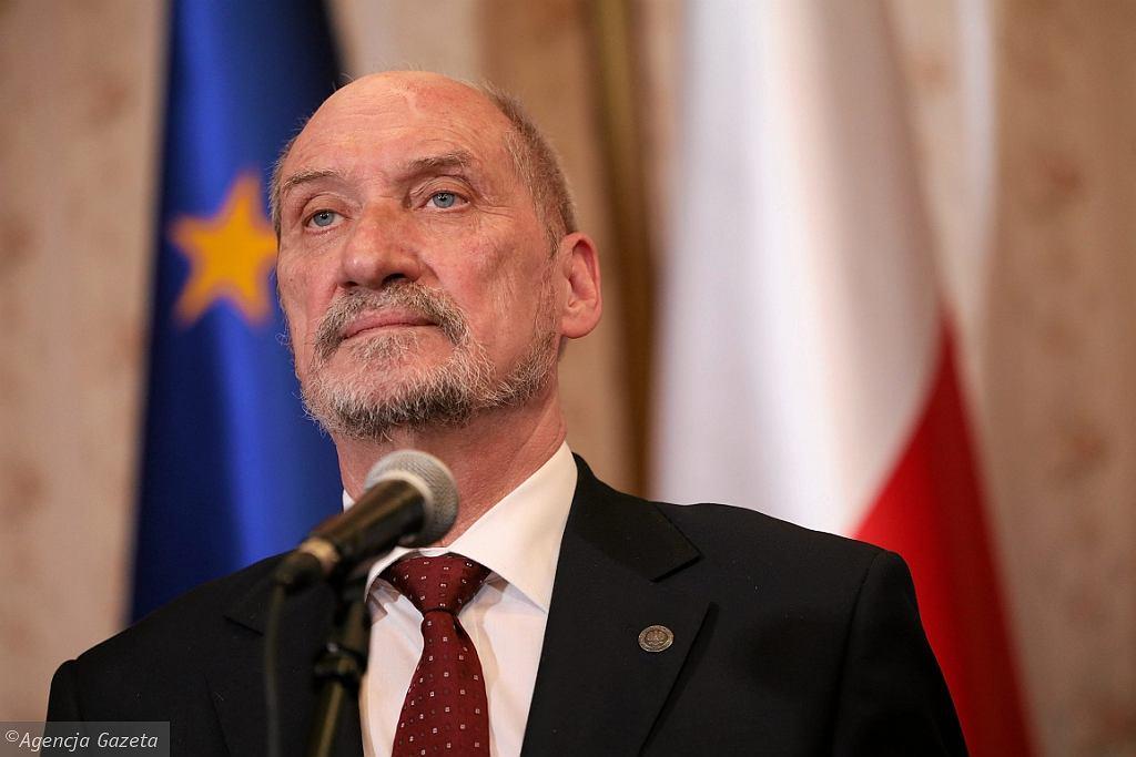 Antoni Macierewicz na odprawie kadry kierowniczej MON (fot. Sławomir Kamiński/AG)