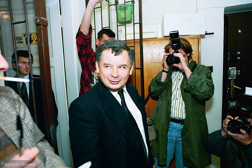 Jarosław Kaczyński w siedzibie PC, 1993 r. (fot. Sławomir Kamiński/AG)