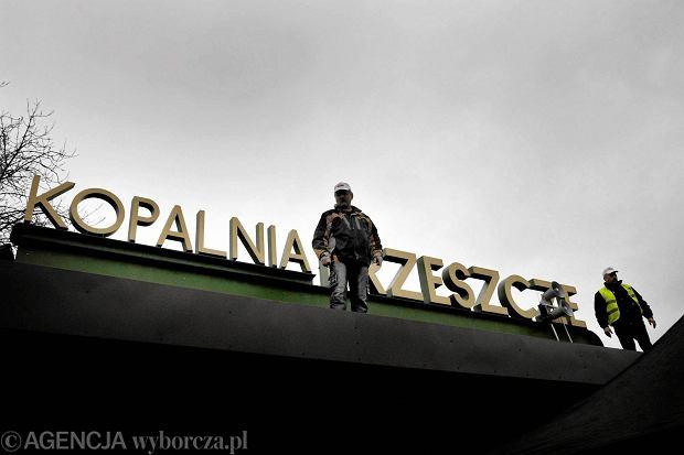 Kopalnia węgla Brzeszcze kolo Oświęcimia , protest pracowników i mieszkańców Brzeszcz