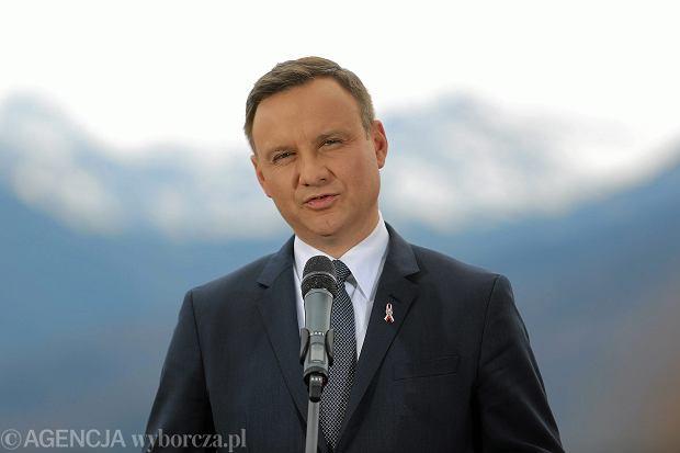 Z wyników wyborów prezydenckich zadowolonych jest obecnie 32 proc. Polaków - wynika z badania CBOS. To oznacza, że Duda ma już mniej fanów