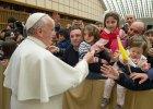 Papież o nauczycielach: Pracę mają przepiękną, ale źle płatną