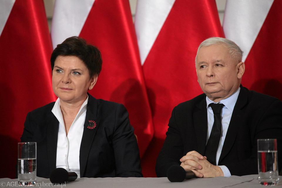 667bcd6f490d8 Premier Beata Szydło i Jarosław Kaczyński