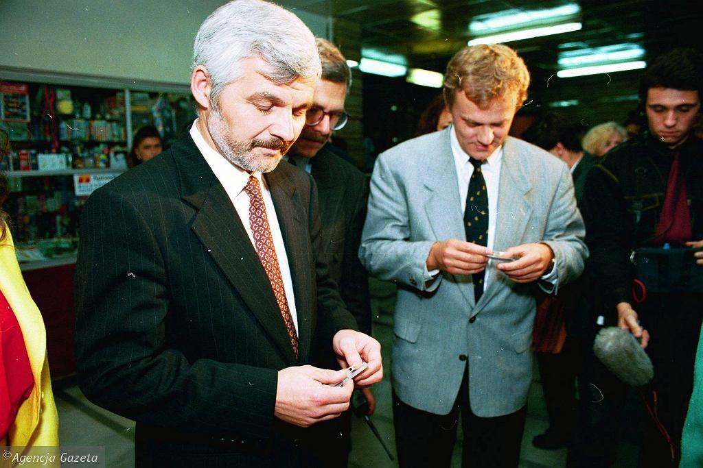 Rok 1993, Jan Krzysztof Bielecki i Donald Tusk (fot. Michał Mutor/AG)