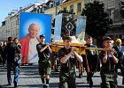 Procesja z relikwiami św. Jana Pawła II do Świątyni Opatrzności