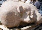 Granitowa głowa Lenina odkopana w berlińskim lesie