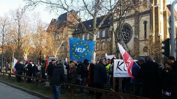 Czoło demonstracji KOD na Węgrzech