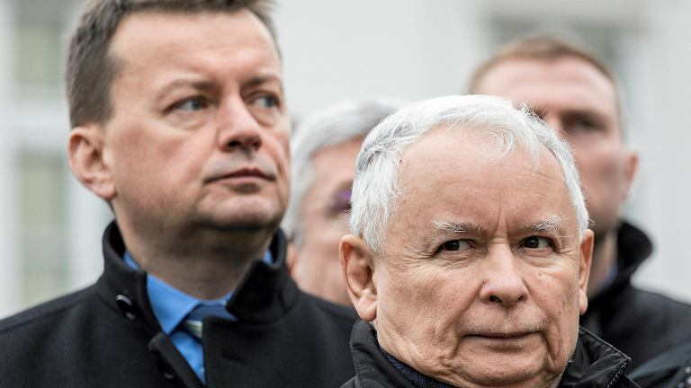 Mariusz Błaszczak jest nazywany przez kolegów z PiS 'domofonem prezesa'