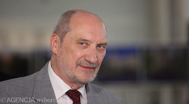 Bez niezależnej komisji nie będzie komu kontrolować działań Antoniego Macierewicza czy Mariusza Kamińskiego