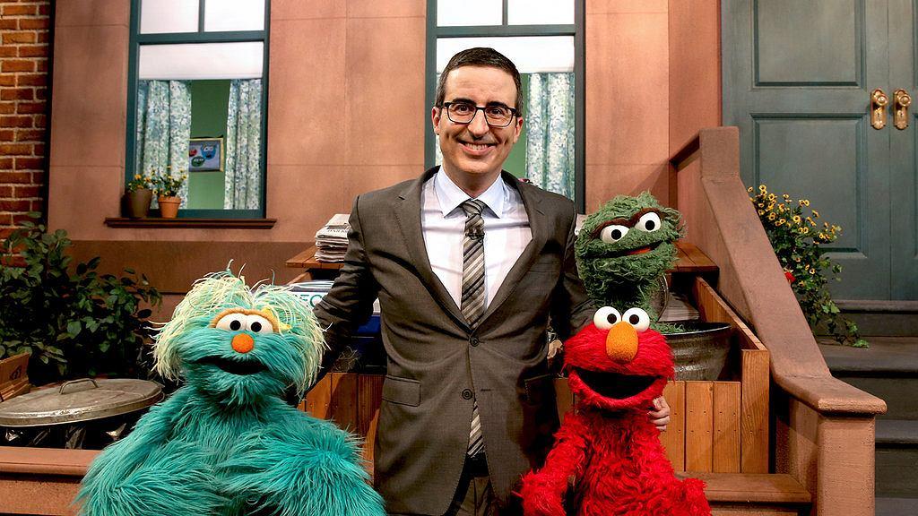 Kadr z programu ''Przegląd tygodnia: Wieczór z Johnem Oliverem'' (fot. materiały prasowe HBO)