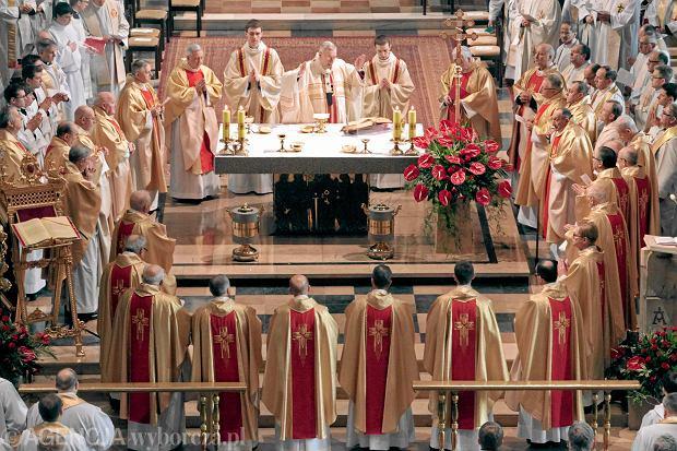 Katedra w Poznaniu, msza święta z okazji Wielkiego Czwartku