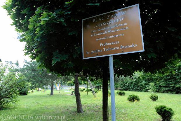 Proboszcz Żernik Tadeusz Rusnak ymyślił dla parafian plac zabaw. Nazwał go