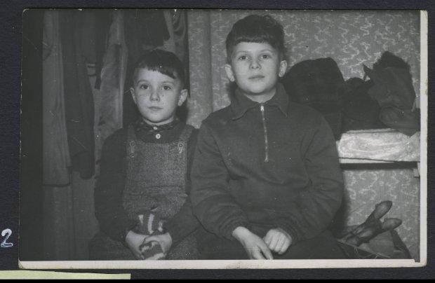 Mirosław i Arkadiusz Rybiccy, zdjęcie z końca lat 50.