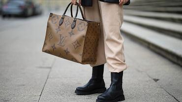 Sale of handbags