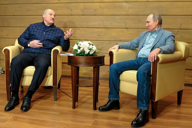 Vladimir Putin and Alexander Lukashenka in Sochi, February 22, 2021.