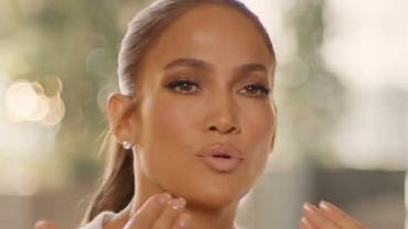 Jennifer Lopez showed up without makeup and Instagram filters.  What does it look like?  (illustrative photo)
