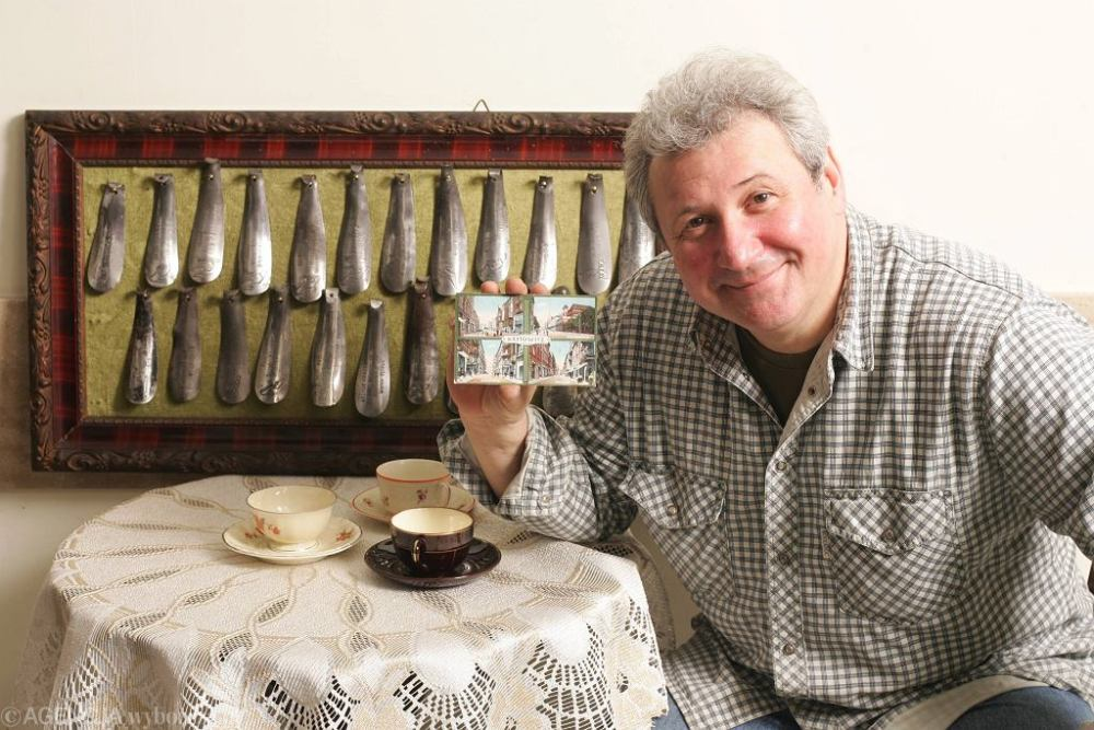 Andrzej Grabarczyk and his cup collection