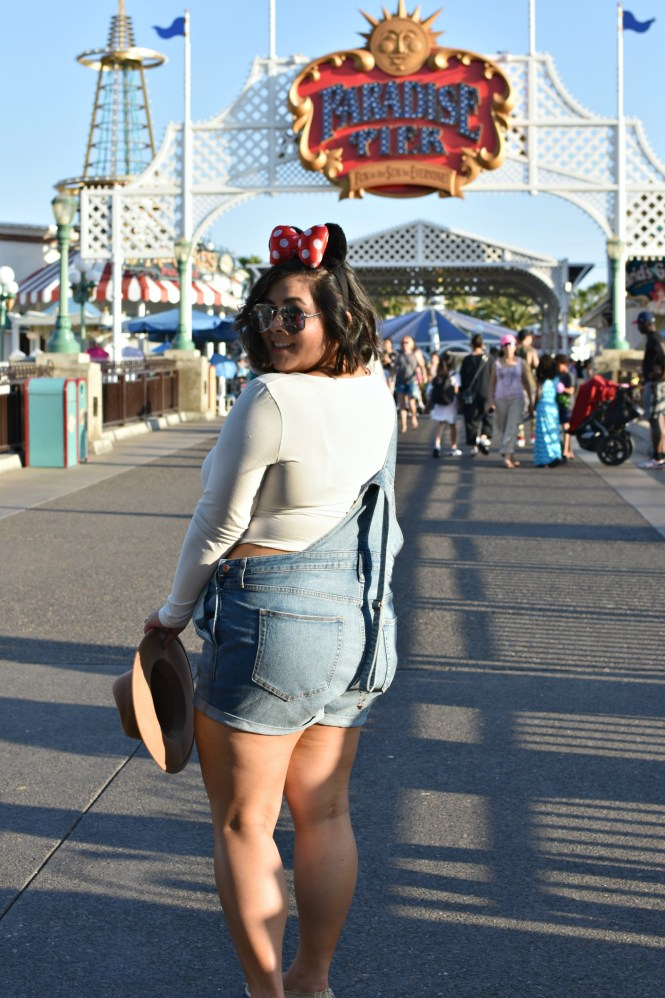 Plus size summer Disneyland outfit: Overalls; OOTD ...