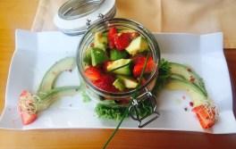 Avocado-Erdbeersalat