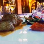 Das Lammfleisch mit Gemüse