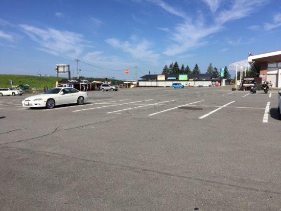 ニッコウキスゲ霧ヶ峰高原旅の駅駐車場混雑状況2018年7月24日朝8時過ぎ画像