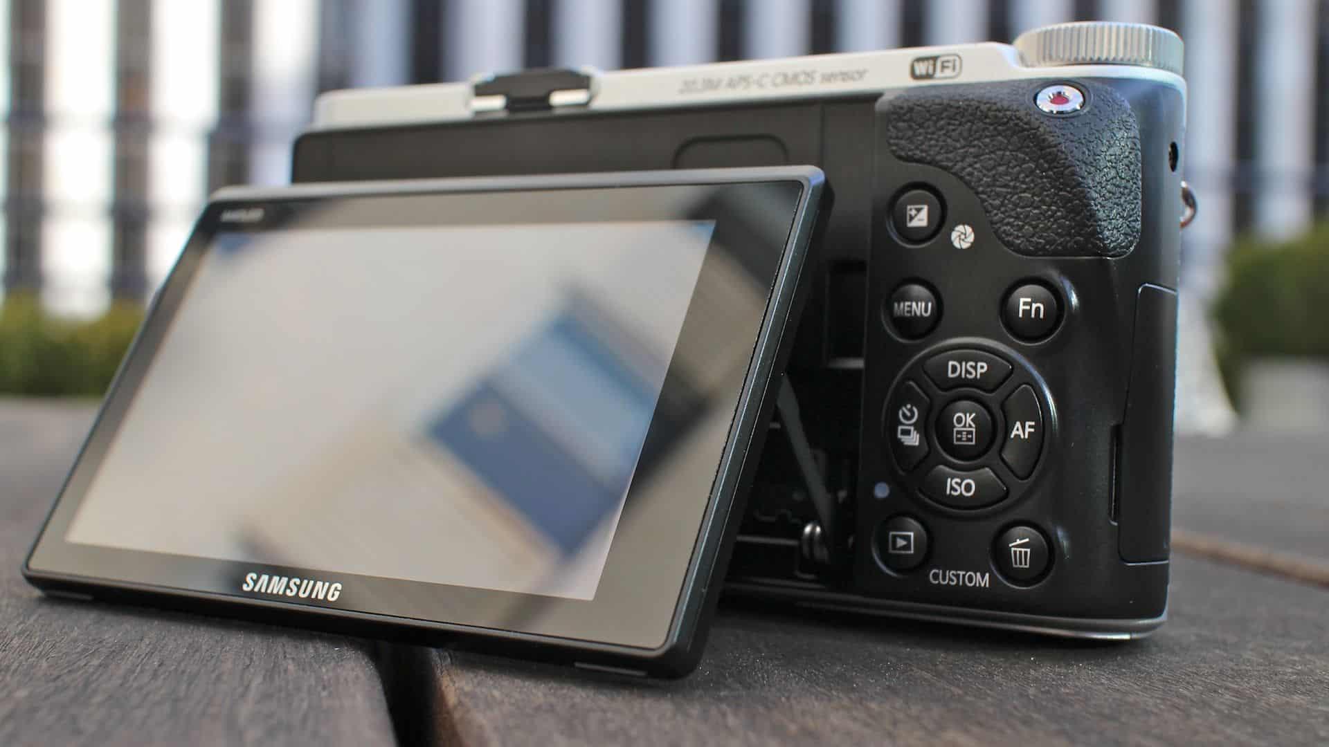 Biareview com - Samsung NX300