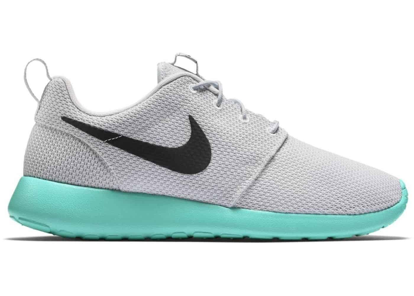 d06e7c33fcb75 Nike Roshe Run