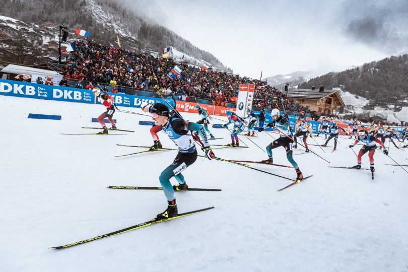 Coup de tonnerre ! Programmée la semaine du 14 au 20 décembre, l'étape du Grand Bornand a été retirée du programme de la prochaine saison. Hochfilzen remplace l'étape Haut-Savoyarde...
