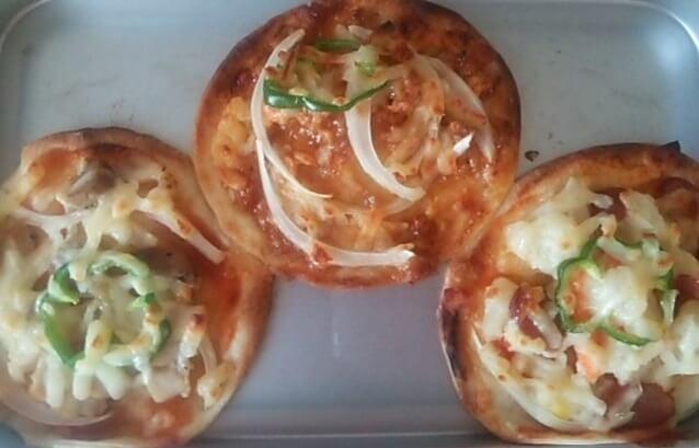 トースターで焼いた手のひらピザ