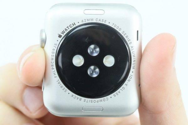 Taille indiquée au dos du boîtier apple watch