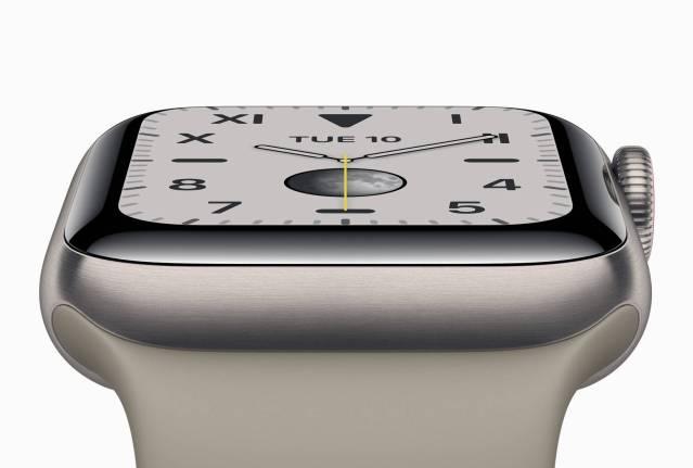 Apple Watch serie 5  Titane et céramique