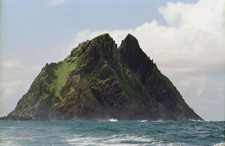Skellig Michael, Ireland (© SkelligIslands.com)