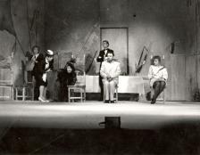 Анатолий Умрихин (сцена из спектакля)
