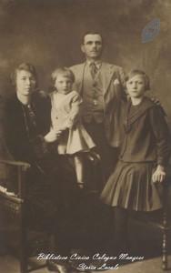 Famiglia in una foto ricordo del 1928