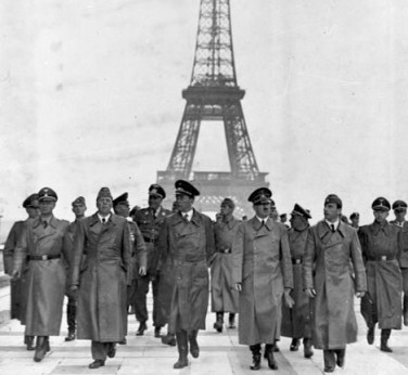 Los-nazis-en-Paris