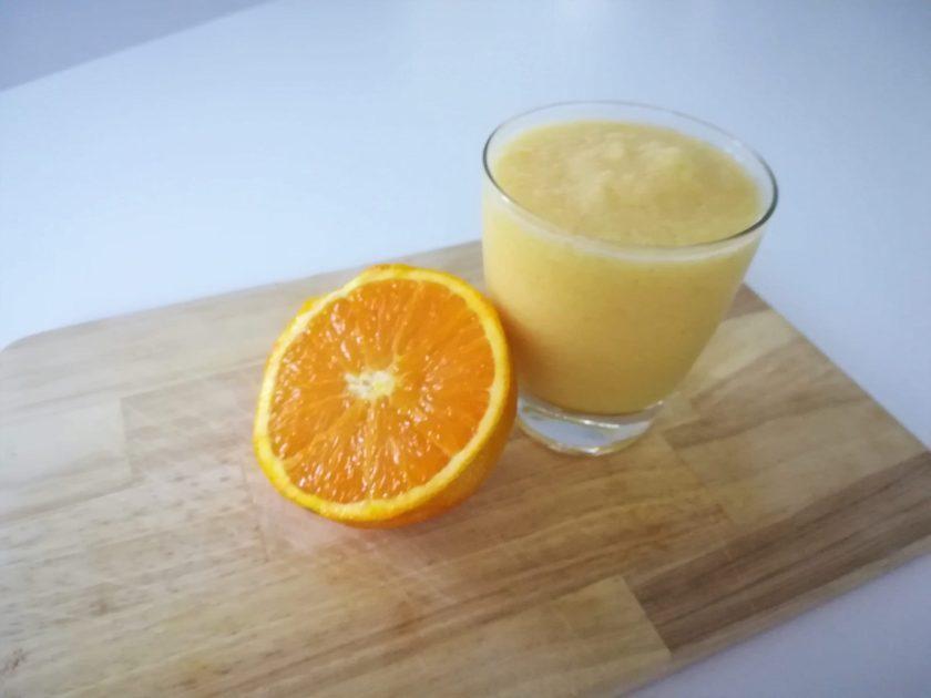 smoothie alla mela e arancia