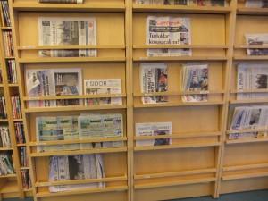 Zeitungen in der Stadtteilbibliothek Rinkeby