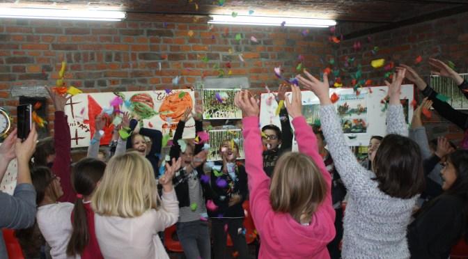 Exposition Anne Brouillard – Visite de la classe de 4ème primaire de l'école communale de Warsage