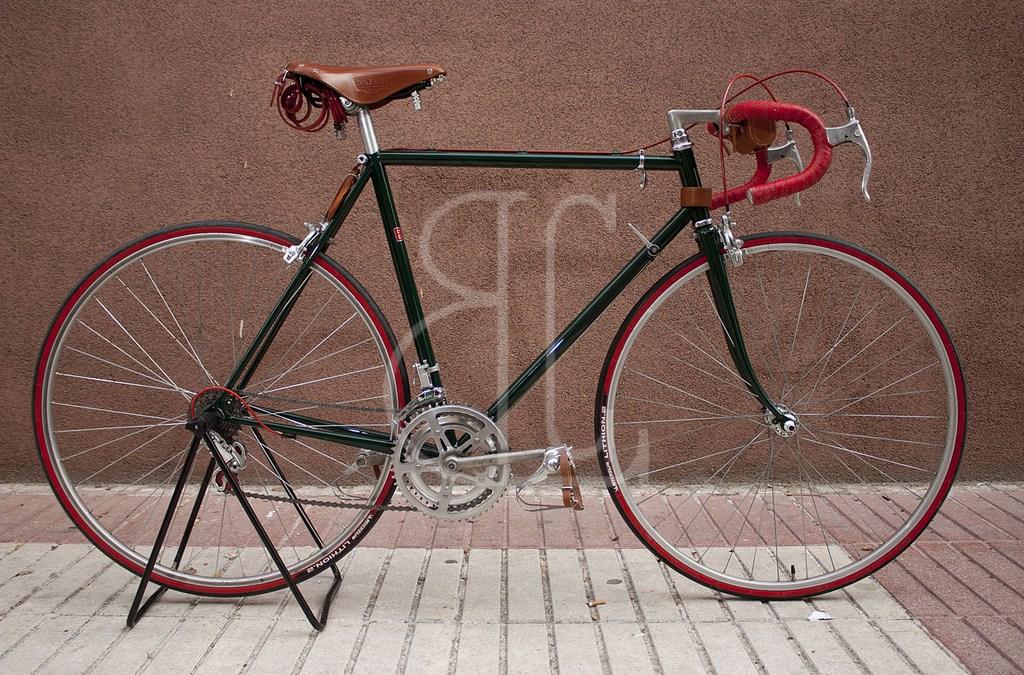 Bicicleta antigua restauración BH de carreras
