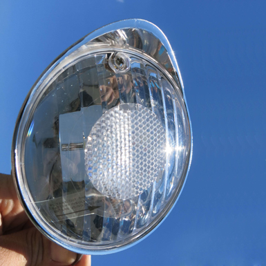 Faro LED con visera para bicicleta
