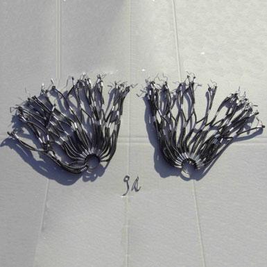 Cubrefaldas plata negro estilo retro