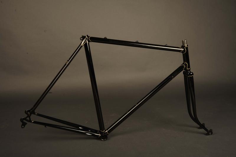 Restauración Taller Pintura Bicicleta antigua color negro