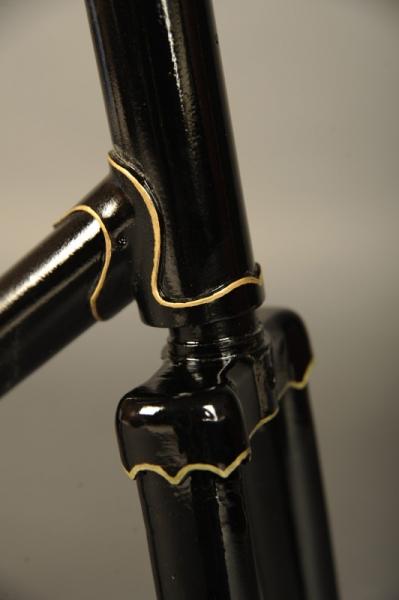 Restauracion pintura cuadro fileteado racores bicicleta carretera antigua clasica carreras
