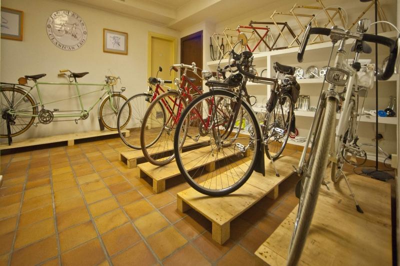 Visita virtual interior taller tienda Bicicletasclasicasleo.com