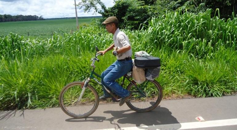 Ciclista que estava em Mato Grosso, vindo do Oiapoque