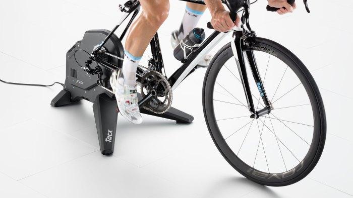 Ciclista durante un test sul ciclomulino (tech-cycling.it)