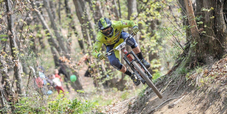 Biker in azione a Pogno (4enduro)